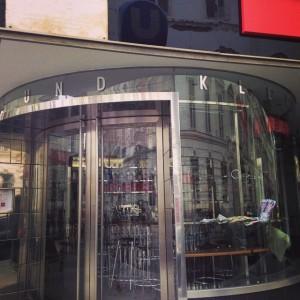a bijou little cafe #herrengasse #hochhaus #love