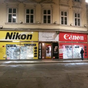 eeesh! so much direct competition! #nikon #canon #vienna #austria #wien #whichcameraisbetter #photographer Griechenbeisl