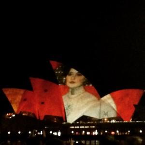Beautiful Opera tonight! #visionsofvienna #operahouse #sydney #vienna #music #art #beautiful #architecture #spectacular #australiagram #picoftheday Sydney Opera House
