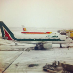 A couple of Mediterranean visitors at Vienna international airport: @Alitalia and @Iberia airliners on the snow