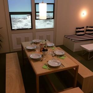 Dinner is ready. #AlfredoBarsuglia lädt zum Abendessen im #MAKcabinet #appliedartsnow #MAK #makvienna #now #mahlzeit #heueramkarlsplatz #vegan
