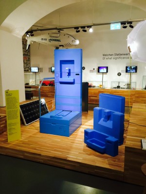 #inspirationMW The synthetic toilet requires no hook-up to a sewer system and no power #EOOS #Eawag #MAKDESIGNFORUM