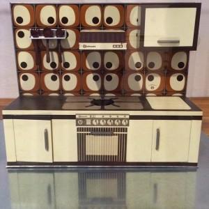 Cooking up a storm #MAK #makdesignlabor #eoos Bauknecht Toy Kitchen, Germany, 1970s, sheet metal, plastic MAK -...