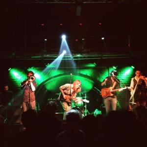 on stage: @renato_unterberg #renatounterberg #norah #chelsea #concert #music #live Chelsea