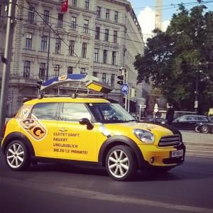 #BIC#Austria#Mini#Carporn#supercar#Sportcar#Road#Street#Schwarzenbergplatz#blackandyellow#Rasierer Schwarzenbergplatz