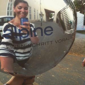 Luftballon mit Spiegelfunktion. #wien #uniwien #summer #campusfestival #jedentageinhauttondunkler #campusfest #schrute #vienna #selfiessucken #allessuckt #spiegelnstattstudieren Campus der Universität...
