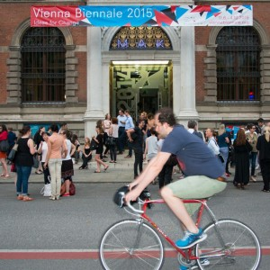 Mitradeln bei der #2051: #Bike #Tour. #Führung mit dem #Fahrrad zu den Demonstratoren (5, 9, 3, 8,...