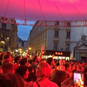 Wanda live beim #festivalderbezirke #wanda #kohlmarkt #igersvienna Kohlmarkt