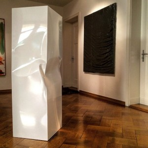 #lorihersberger #clemenswolf #sculptures #paintings #galerieclemensgunzer #white #black