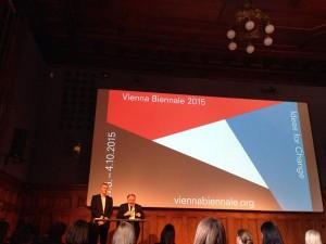 Das erste Mal konzentriert sich Kunst im öffentlichen Raum rein auf Handlungen #PeterWeibel #ViennaBiennale