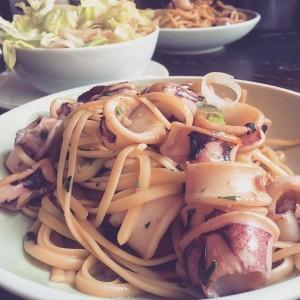 lunch date🍴👫❤️ #lunch #mahlzeit #joma #vienna #hohermarkt #simplythebest #loveit #linguine #calamari #igersvienna JOMA Café Brasserie Bar