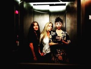 #seriouselevatorbusiness #summernights #wewillnevergrowup #girlsgirlsgirls #funlooksdiferent #ohvienna