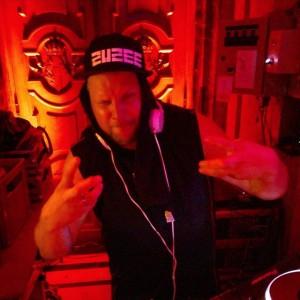 Amazing Dj #zuzee on the Decks. #vestibül #burgtheater #impulstanz #everyyear #placetobe #dance #dj #pose #waxolutionists #waxos #hiphop...