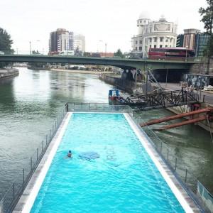 last days of summer 🏊🏼 #badeschiff #igersvienna #summer #vienna #lovedailydose Badeschiff Wien
