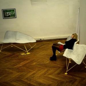 Sekundenschlaf kurz vor der Vernissage #Graulicht - out of the woods Gallery Im Ersten