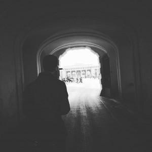 < Follow the light > #tbt#instawalk#igersvienna#whatinstagramersdo#huaweimoments#instamoment#vienna#beautifulvienna#welovevienna#vienna_city#bw_vienna#blackandwhite#mobilephotography#followthelight#intothelight#instavienna#instacity#instalife#instashot#instablackandwhite#hofburg#bigcitylife#citylife