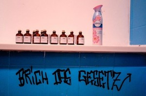 Gesetzesbruch, Efac #WienerFlaschengeister Feile