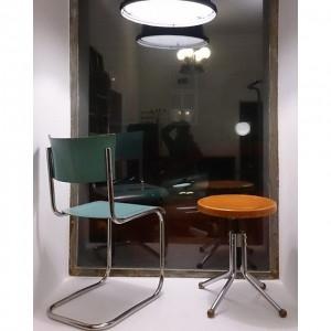 ...neue Auslage... #design #retro #vintage #leder #altesportgeräte #alteturngeräte #originale #ledermatte #tschechischeswohndesign #wohnen #artdeco #stahlrohr #bauhaus #141 #f4f...