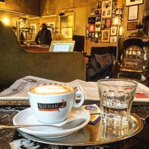 draussn schiffds, drinn is warm #melange #cappuccino #coffee #coffeetime #cafe Café Jelinek