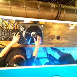 #dj #live #diefeile #wien #vienna #novaragasse #1020 #leopoldstadt #party #partytime #jahresfeier #vinyl #vinylsession #goodtime #fun #now