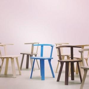 Die wunderschöne blaue Ausführung des Stuhls