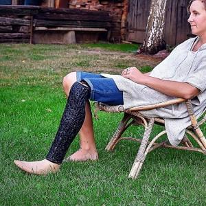 #prostheticleg designed by #tomasvacek #art4leg #prostheticfashion #3dprinters #3dprintable #3dp #3dprinting #print3d #3dprint #3dprinter #sintering #3dcarbon #fashionweek #fashiondesign...