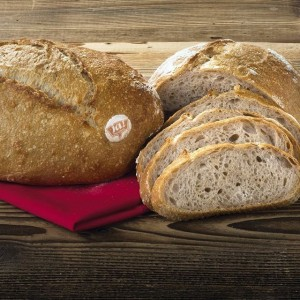 WIR SUCHEN EINEN NAMEN für unser neues Bio-Brot! Welcher gefällt Euch am besten? • Rustikaler Weizenwecken •...