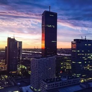 #sunrise #Vienna Donaucity #urban #urbanlife #urbanphotography #skyporn #skyline