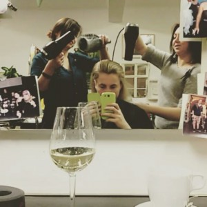 #tb to the appointment at my hairdresser 💇 #hairstyle #funtimes #happygirl #gettingready #newyearseveahead #happyholidays Salon Er-Ich