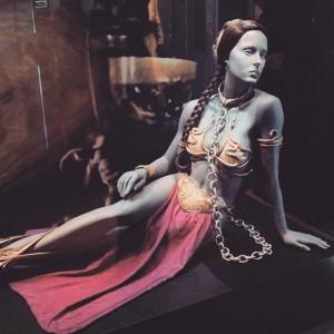 Und Inspiration fürs nächste Halloween-Kostüm gabs auch #starwars #identities #ingoodcompany #princessleia #costumeinspiration STAR WARS Identities Wien