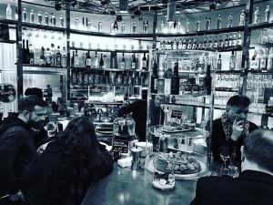 Nice small #bar #vienna #drinks #cappuccino #coffee #trendcity #wanderlust #trendcity #placetobe #italiano #aperitivo Unger und Klein -...
