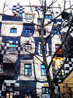 Игра в классики #hundertwasser #wien #yulitatrip Hundertwasserhaus