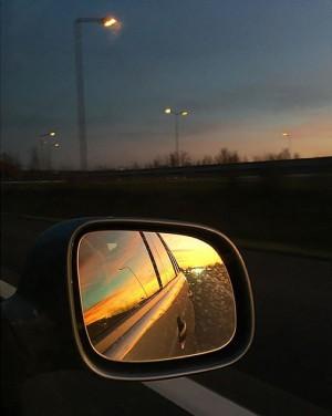 Austria - on the way home to Vienna (December 2015) ——— #roadtrip #nightphotography #sonnenuntergang #skypainters #skylovers #skyporn...