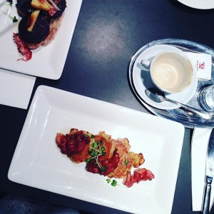 saturday morning #weekend #delicious #breakfast #coffee #melange ##kartoffel #pancakes #speck #rosmarinhonig #cafeansari #vienna Cafe Ansari