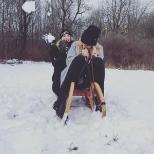 ❄️ #winterwonderland #sledge #snowballattack #winter #vienna #picoftheday #tagsforlikes #pictureoftheday #snowball #snow #wintertime #instawinter #snowy #snowday Sophienalpe