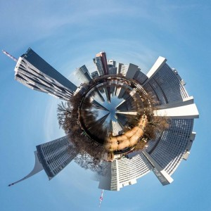 Die #Donaucity eingerollt... 😀 erstellt mit der #CircularApp von @brainfeverapps 😉 #tinyplanet #littleplanet #dctower #unocity #vienna #architecture...