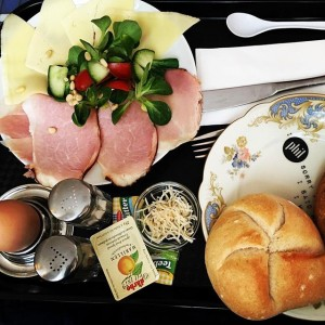 Frühstück schmeckt immer, auch am Nachmittag :) #whatsforbreakfast #frühstückinwien #phil #frühstückbis16uhr #frühstückspensionsfrühstück Café Phil