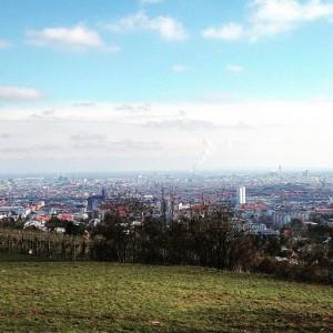 Wien von oben 👀 #wienliebe #whataview #wien #vienna #lovedailydose #frühlingsgefühle #frischelufttanken #igerswien #schlosswilhelminenberg #wilheminenberg Schloss Wilhelminenberg