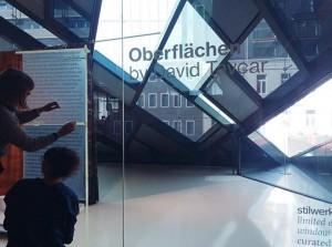Letzte Vorbereitungen für das window gallery opening von David Tavcar. Heute um 18 Uhr im Vienna Design...