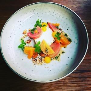 Appetizer @restaurant_kussmaul #kussmaul #kissthecook #kussmaullunch #cookingxclass #chefschoise #ditschko #sweet #welovebyo #vienna #restaurant #eeeeeats #grosseskino #gourmet #geil #food...