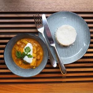 Indian inspired lunch at Joma today: Chicken Tikka Masala #joma #jomawien #brasserie #hohermarkt #indianinspired #indiancuisine #curry #tikkamasala...
