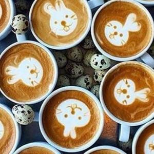 Wir wünschen euch einen wunderschönen Ostersonntag! #latteart #ostern #bunny