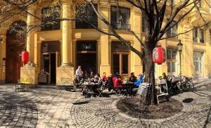 mochi garden salon is back!! #runrun #weloveourjob #welovefood #welovejapanesefood #ilovemochi #eeeeeats MOCHI
