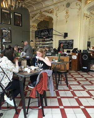 Schmuck aus Stuck #supersense #cafevienna #vienna #food #luvevienna #1020 SUPERSENSE