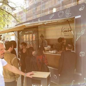 daily 11.30 streetfood@mq @hy_kitchen #igers #eatgoodstreetfood #igersvienna #kimbodogs #streetfoodmq #streetfoodvienna #beststreetfoodmarketvienna #mrflys #hykitchen #chimaek #beo MQ –...