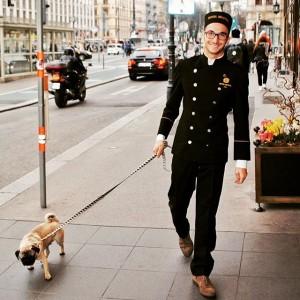 #welovepets and #welovevienna #bristolvienna #luxurycollection #vienna #vienna_city #viennainside #ringstrasse #kärntnerring #kärntnerstrasse #wien #dogsofinstagram #mopsliebe #mops #hotelfordogs #fredundotto...