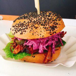 Smoked Pulled Pork mit red coleslaw #foodtruck #mrflysfoodtruck #pulledpork #Food #foodsii #foodiliciousvienna #delicious #leckerschmecker #igersaustria #igersvienna #igerswien...