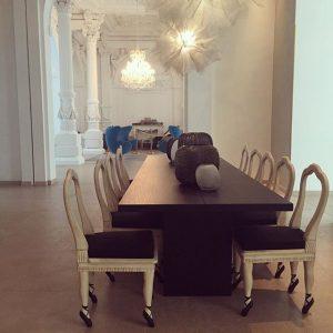 Love 😍❤️ #motelonewienstaatsoper #motelone #vienna #wien #austria #stunning #beautiful #decor #interiordesign #balletfeet #chairs #love #soft #romantic #classical...