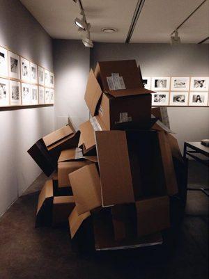 #fuckihatepacking #artsyfartsysculpture Leica Store | Leica Galerie | Wien
