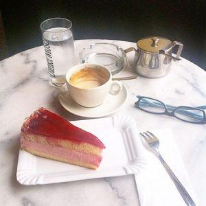 Coffe break by #danielmoser 👌😊☕️☕️🍰✨💫 Café Daniel Moser